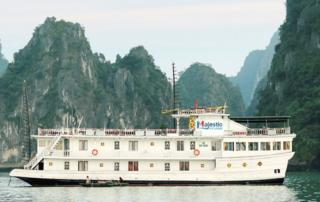 Du thuyền Majestic Cruise
